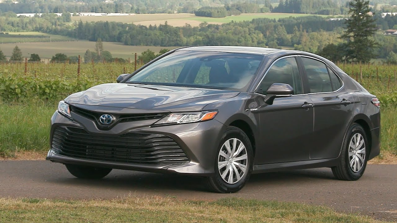 2018 toyota camry le hybrid us spec youtube. Black Bedroom Furniture Sets. Home Design Ideas