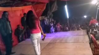 Jo jaam se peeta hun utar jati hai nautanki naach nabab ganj bahraich nanpara very hot girls dance