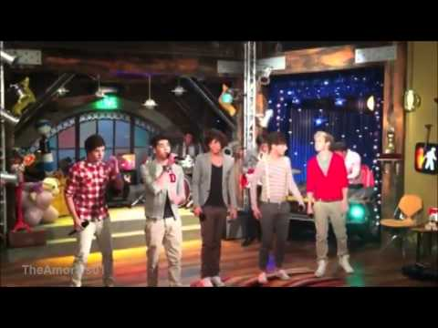 Novo episódio - One Direction no ICarly! | Behind the scenes of One Direction on ICarly