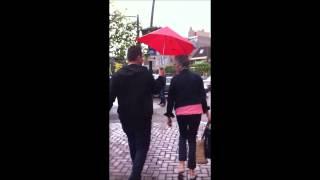 #24 Rode paraplu opdracht