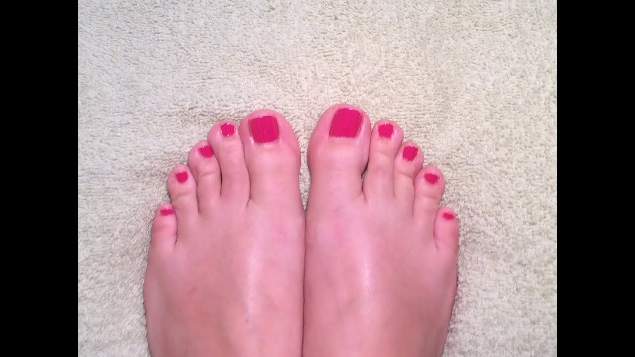 TOE NAIL POLISH - YouTube