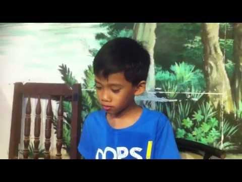 Krang Satha Cambodian kid 7 years old Eposure 13 playing keyboard Khmer oldies Yub na dauch yub na