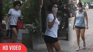Kim Sharma Trying to Copy Malaika Arora look for Paparazzi