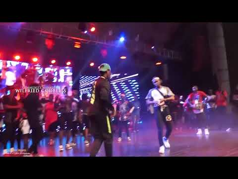 Prestation Des Danseurs à Debordo Leekunfa Au CONCERT De SAFAREL OBIANG