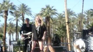 Lykke Li-A Millie & Breaking It Up Live @Coachella 4-19-09