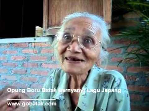 Opung Boru Batak Bernyanyi Lagu Jepang