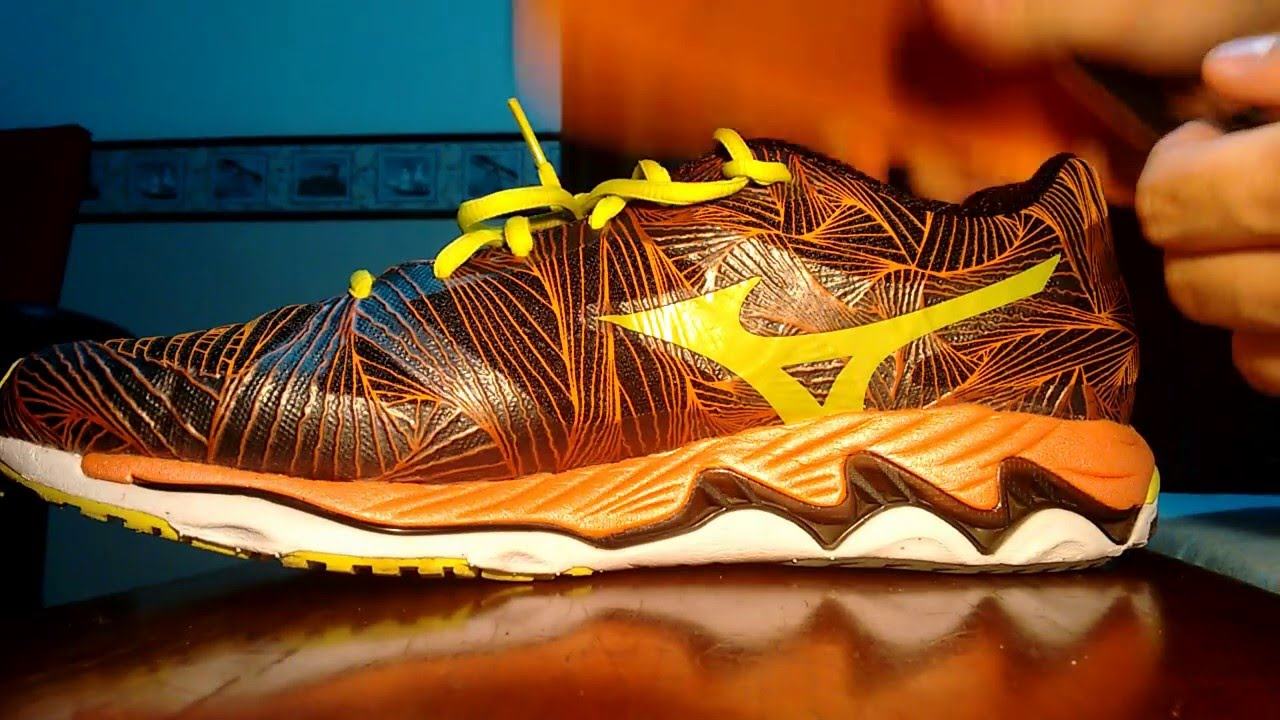 0a26d06a9c2 Mizuno Wave Paradox (Pronadores) - YouTube