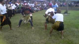 Video Tradisional boxing= Tinju Adat) Zepe Sangade download MP3, 3GP, MP4, WEBM, AVI, FLV April 2018