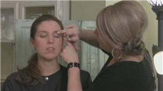 How to Apply Eye Shadow : Applying Eye Shadow for High-Fashion Makeup Thumbnail