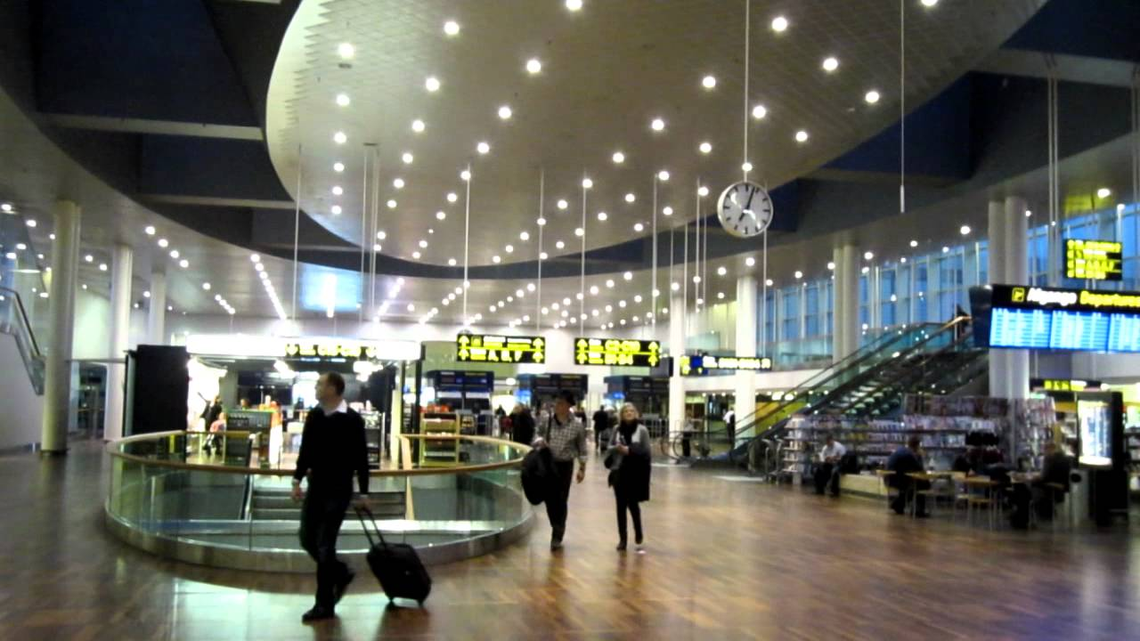 Copenhagen international airport kastrup interior for Interior design agency copenhagen
