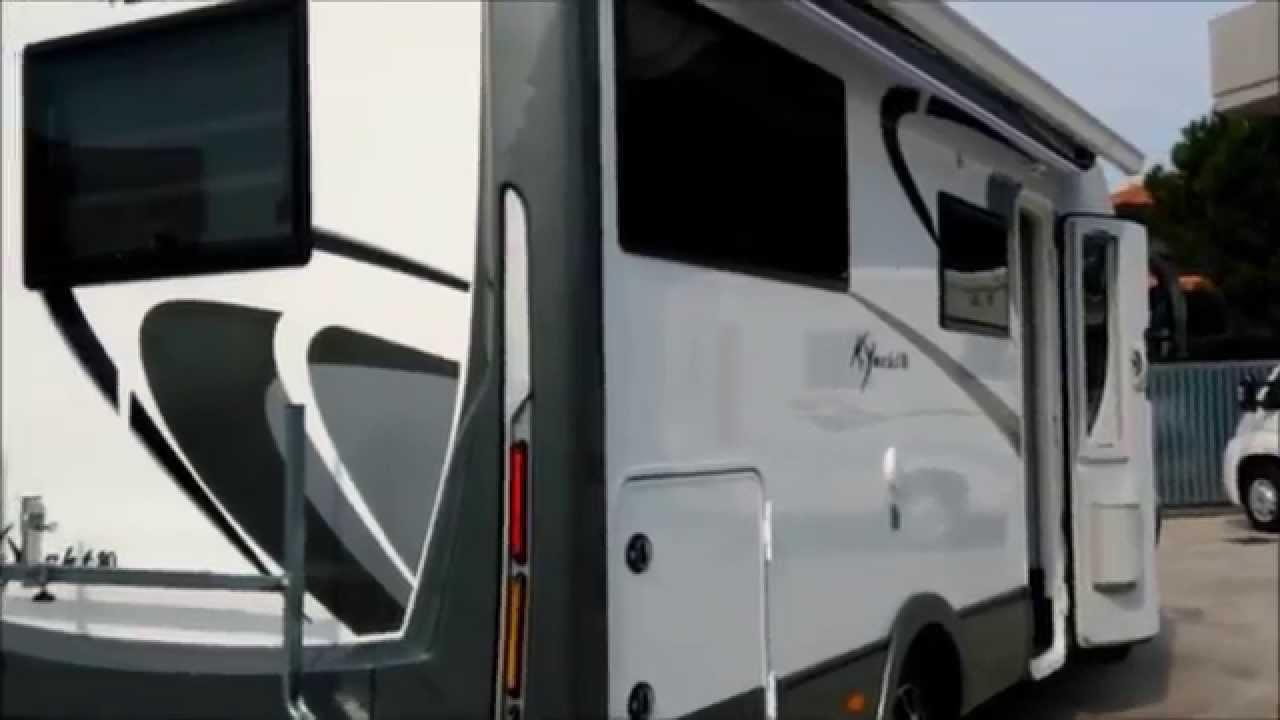 commander en ligne conception adroite complet dans les spécifications Tendalino elettrico Dometic e Mobilvetta Kyacht 80 da CamperOne Tortoreto