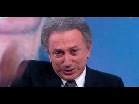 Michel Drucker Craque Pendant La Speciale Johnny Youtube
