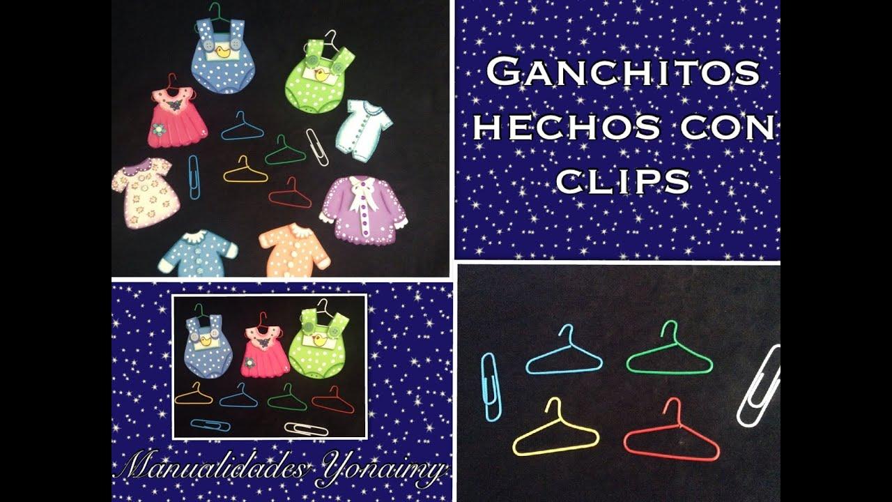 ganchitos para ropa de barbies o distintivos de baby shower