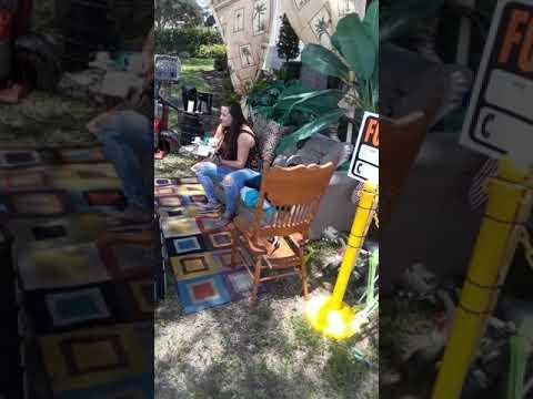 Los Anormales - Sofa se vuelve viral en Melbourne Fl