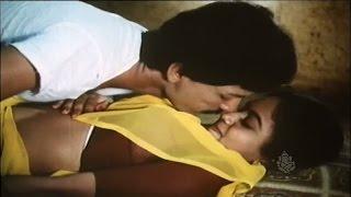 Download Video Kashinath Abhinaya Romantic Scene || Surasundaranga || Kannada new kannada movies | Kannada songs MP3 3GP MP4