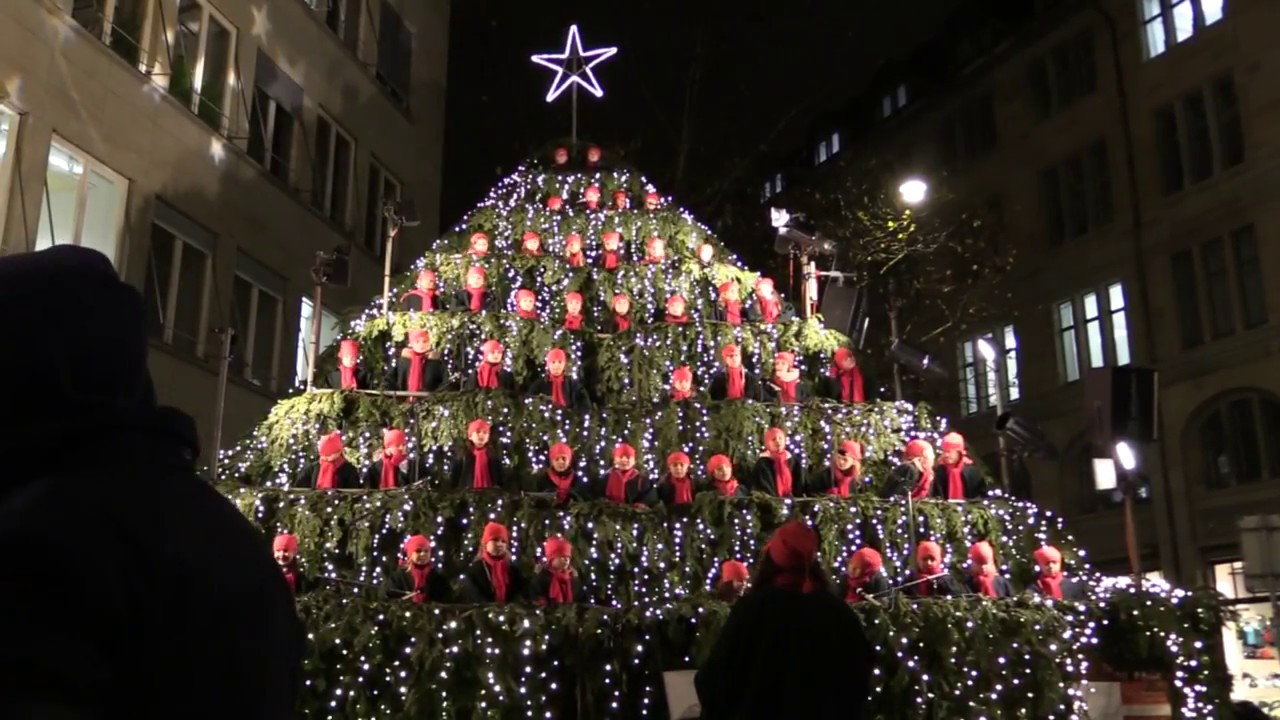 The Singing Christmas Tree In Zurich 2017 Youtube