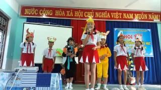 giao lưu tiếng Anh tiểu học phần thi chào hỏi CỰC SINH ĐỘNG (sóc chuột) - 5 trường cụm Gò Nổi