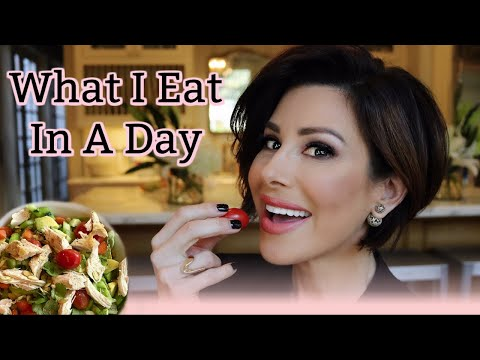 what-i-eat-in-a-day-|-dominique-sachse