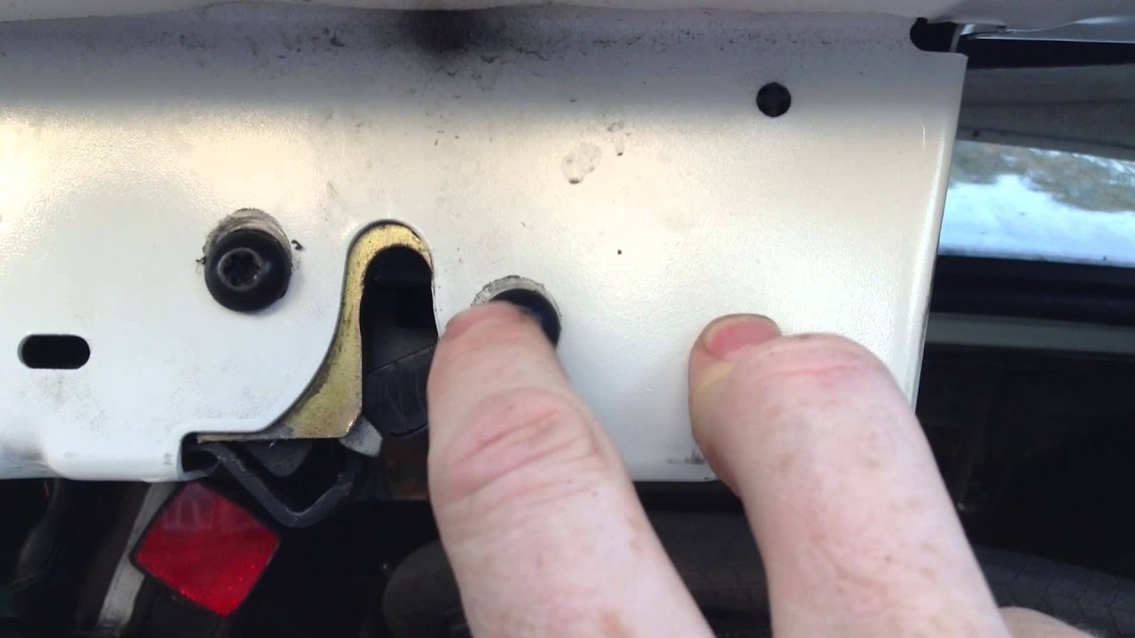 How To Adjust The Trunk Latch On A Car Ford Focus Youtube