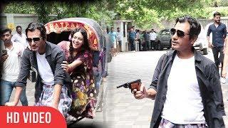 Nawazuddin Siddiqui And Bidita Bag |Bandookbaaz Style Entry | Babumoshai Bandookbaaz Trailer Launch