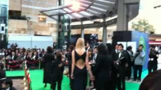 東京国際映画祭の特別招待作品「レオ二ー」の松井久子監督や吉行和子さ...