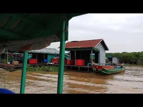 Dej thab les nyob kas pus cia dav thisb loj heev . The biggest lake in southeast Asia.