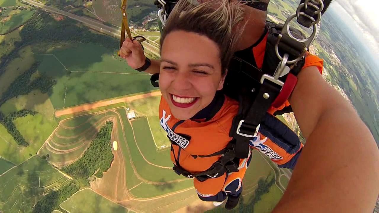 Salto de Paraquedas da Ana Paula F na Queda Livre Paraquedismo 07 01 2017