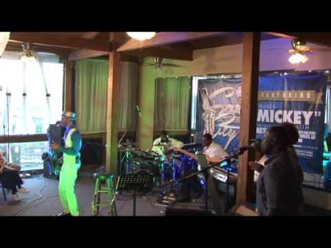 Mickey Smith Jr Live