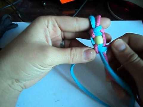 Плетение браслета из шнурков и
