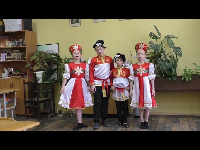 Изображение предпросмотра прочтения – СветланаГолубева читает произведение «Скороговорки» (Русский фольклор )
