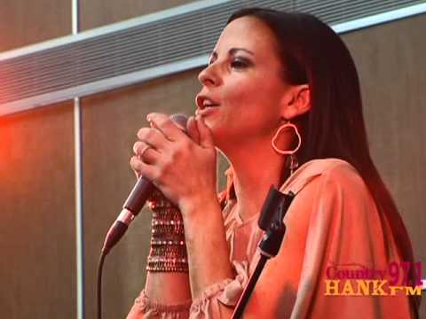 "Santa's Secret Star 2011: ""Suds In The Bucket"" - Sara Evans"