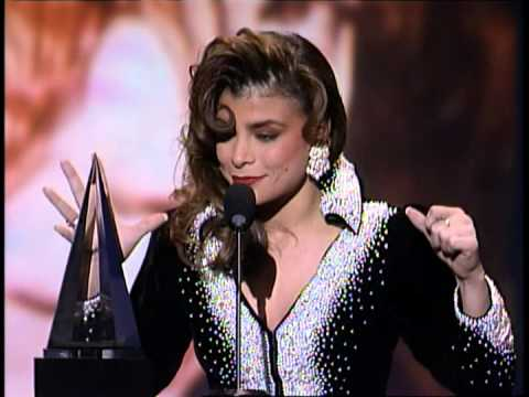 Paula Abdul Wins Favorite Pop/Rock Female - AMA 1990