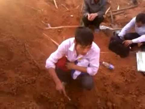 Tìm hài cốt liệt sỹ trong mộ tập thể tại Tây Nguyên - Nhà Ngoại Cảm Nguyễn Ngọc Quyết