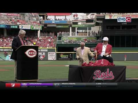 Cincinnati Reds CEO Bob Castellini introduces Pete Rose on day of his statue unveiling