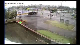 Смотреть видео ДТП не пропустил при левом повороте ул. Хасанская / пр. Наставников, Санкт-Петербург 05.08.2018 онлайн