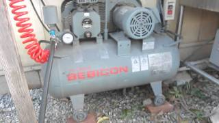 Must remove condense water from your compressor コンプレッサーから水は抜きましょう コンプレッサー 検索動画 25
