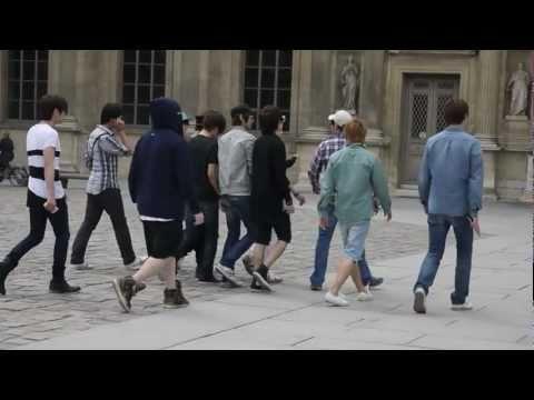[HD]Super Junior & SHINee dancing publicly at Paris!!