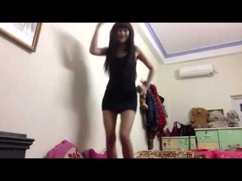 Em gái cực xjnk nhảy . Con Bướm Xuân . Phiên bản tự sướng