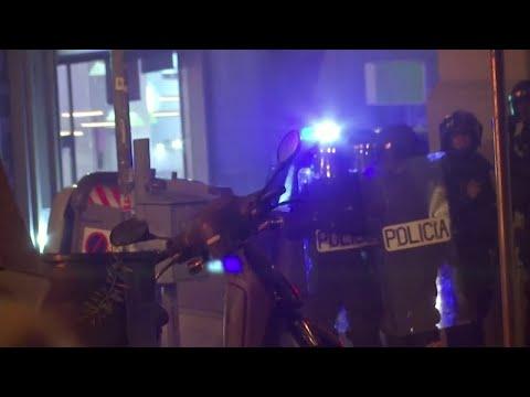 المظاهرات في كاتالونيا تجنح إلى العنف والحكومة الاسبانية تتوعد بالرد  - نشر قبل 2 ساعة