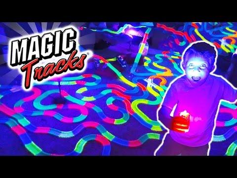 GIANT MAGIC TRACKS TOY MEGA BUILD CAR Adventure!! As Seen on TV Carl and Jinger