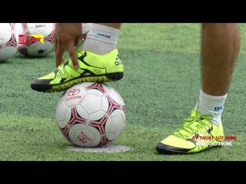 Khi trái bóng lăn - Tập 31 - Kỹ thuật sút bóng tại chỗ bằng mu bàn chân
