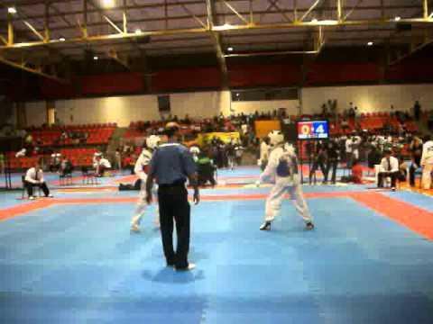Yuri Bertozzi  ( AZUL )  Semi Final  Curitiba  Brazil Open 2011