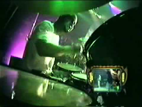 Limp Bizkit - Jump Around (House Of Pain) - Live.