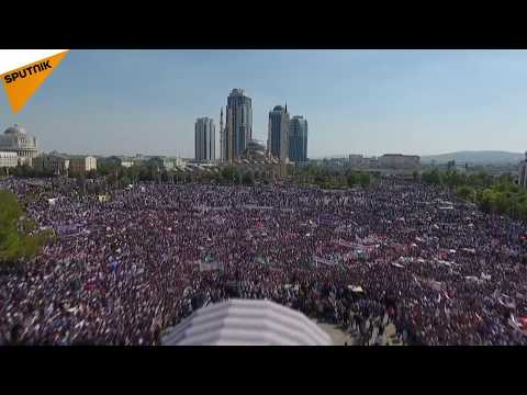 Grozni'de 1 milyondan fazla kişi Arakan halkına destek için sokağa çıktı