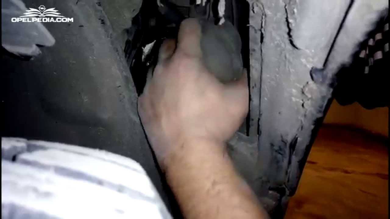 Opel Astra H Tutorial How To Change Headlight Bulb Youtube Coupe Turbo Fuse Box Diagram