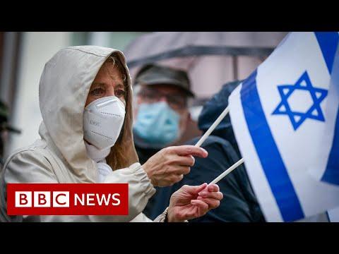 Deaths mount in Gaza as UN meeting begins - BBC News