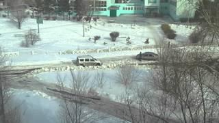 Костанай ,машина застряла(машины застряли в снегу видео после чистки коммунальными службами,застрял +в снегу,машины застряли +в снег..., 2016-02-29T06:26:28.000Z)