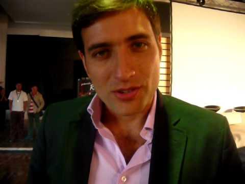 Andrés Suárez Está en www.mycollywood.com