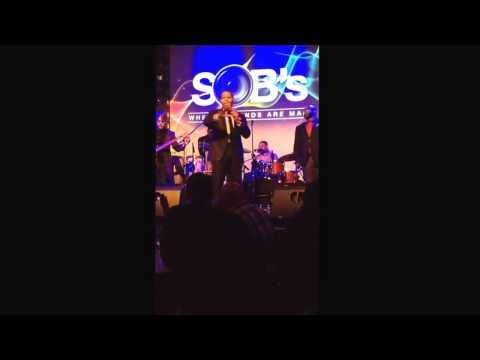 Def Ears/Head To Toe Medley - Eric Roberson 2013 Holiday Show