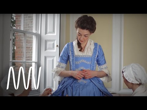 Getting dressed in the 18th century - YouTube
